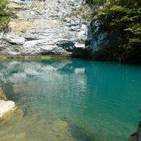 Голубое озеро в Абхазии! :: ирина