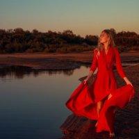 Развевая платье :: Женя Рыжов