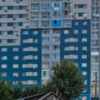 контрасты большого города :: Дмитрий Карышев