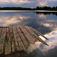 И тонет день в лучах заката... :: Нэля Лысенко
