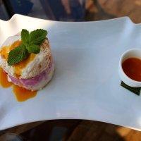 Вкусный десерт от Шеф-повара ресторана Sixty - Режис Тригель :: Надежд@ Шавенкова