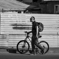 С велосипедом :: Eugene *