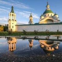 Спасо-Яковлевский Дмитриев монастырь после дождя и перед закатом :: Георгий