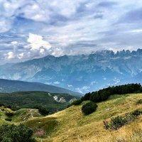 там, где небо касается гор :: Сергей Беличев