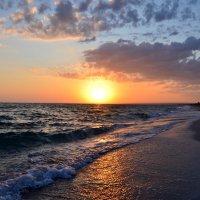В сто сорок солнц закат пылал... :: Ольга Голубева
