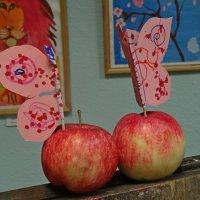 два яблока :: Natalia Mihailova