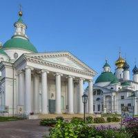 Спасо-Яковлевский Димитриев монастырь, общий вид изнутри :: Георгий
