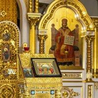 В храме. :: Александр Лейкум