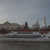 По реке :: Александра