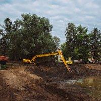 Карякинский парк, даже с техникой стал красивее смотреться ❤ Рыбинск :: Alexander Royvels