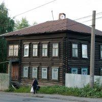 Пермь улицы и дома :: Юрий Арасланов