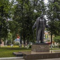 Памятник Шаляпину в Кирове :: Сергей Цветков