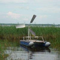 Катамаран с ветродвигателем в рабочем положении :: Светлана Лысенко