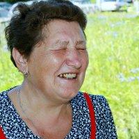 Не смешите, я вас умоляю, я смеюсь, потом слёзы роняю ... :: Евгений Юрков