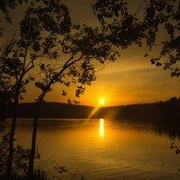 Закат на озере :: Aнна Зарубина