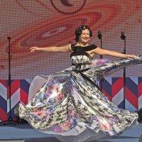 Празднование  дня города (Королева  чардаша) :: Виталий Селиванов