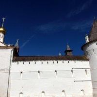 Стены ростовского Кремля. :: Елена