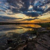 ..Люблю встречать чудесные восходы,  Прекрасна и божественна заря. :: Павел Тодоров