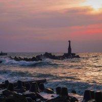 Закат на море. :: Николай Тишкин