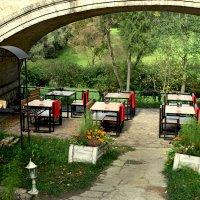 Кафе под мостом :: Ирина Румянцева