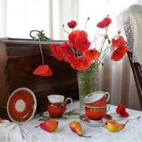 Маки с красными чашками :: Людмила