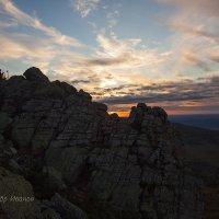 Первый взгляд на закат с Откликного гребня. :: Александр Иванов