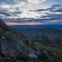 Закат с Откликного гребеня. Как снято, в холодных тонах. :: Александр Иванов