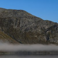 туманный полёт над озером Будъяврь :: Георгий