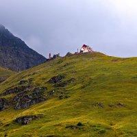 Дом в горах :: Nina Streapan