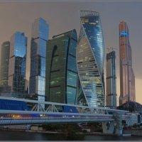 Москва Сити. Вечер.. Перед дождем... :: Николай Панов