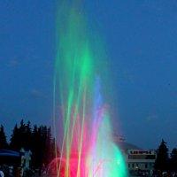 Фонтан у цирка вечером... :: Александр Герасенков