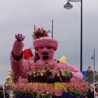 Участник парада цветов в Нидерландах. :: Ольга