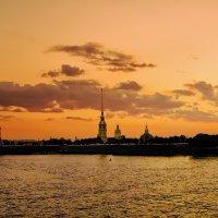 Закат на Неве :: Валентин Яруллин