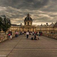 Мой Париж : Кажется дожьдик собирается :: Ваган Мартиросян