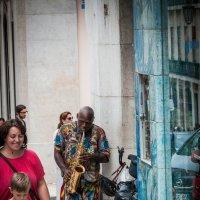 На улочках старого Лиссабона :: Yuriy Rogov