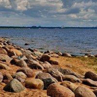 Берег камней :: Владимир Макаров
