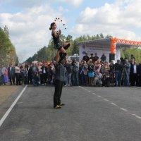 Девушка с огненным обручем :: Наталья Золотых-Сибирская