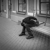Человек в городе :: Николай Белавин