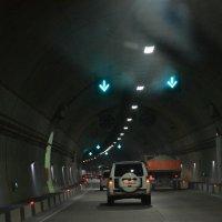 тоннель в горе :: Алёна Алексаткина
