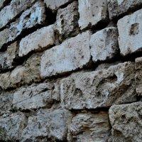 Стена замка Митридат :: Юлия Бережная
