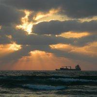 Закат. Средиземное море :: Сашенька)