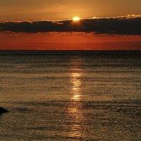 рассвет на море :: valeriy g_g