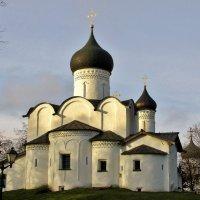 Церковь Василия на Горке во Пскове :: Leonid Tabakov