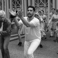 Танцы под дождем :: Елена Жукова