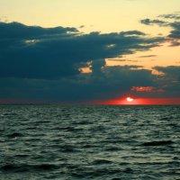 Закат на Черном море :: Сергей Карачин