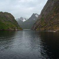 Северная Норвегия. Лофотенские острова. Вход в Тролльфьорд. :: Надежда Лаптева