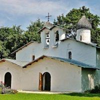 Церковь Покрова и Рождества Богородицы от Пролома во Пскове :: Leonid Tabakov