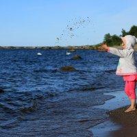 Девочка и море :: Алёна Гершфельд