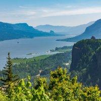 Columbia river. Oregon. USA :: Andy Zav
