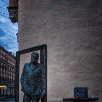 Памятник Довлатову в Петербурге :: Игорь Свет